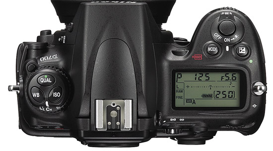 Nikon D700 - Top