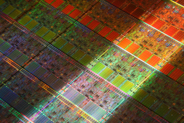 Nehalem wafer Photo;  courtesy of Intel