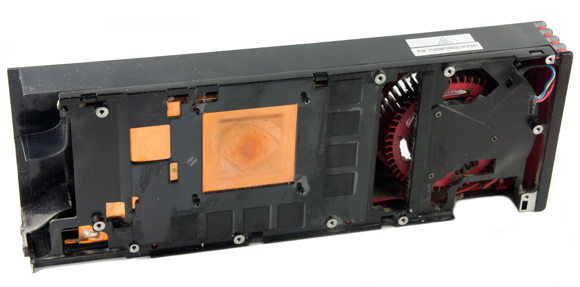 radeon_hd_6970_cooler_bottom.jpg
