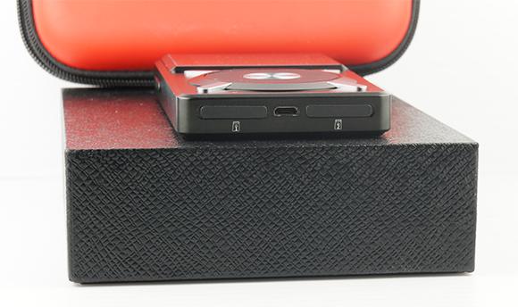 FiiO X5: Dual MicroSD Slots & Micro USB 2.0 Port