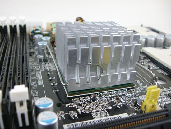 Iwill DN800-SLI Intel E7525 Memory Controller Hub